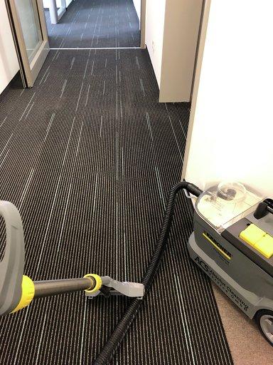 Teppichbodenreinigung 1